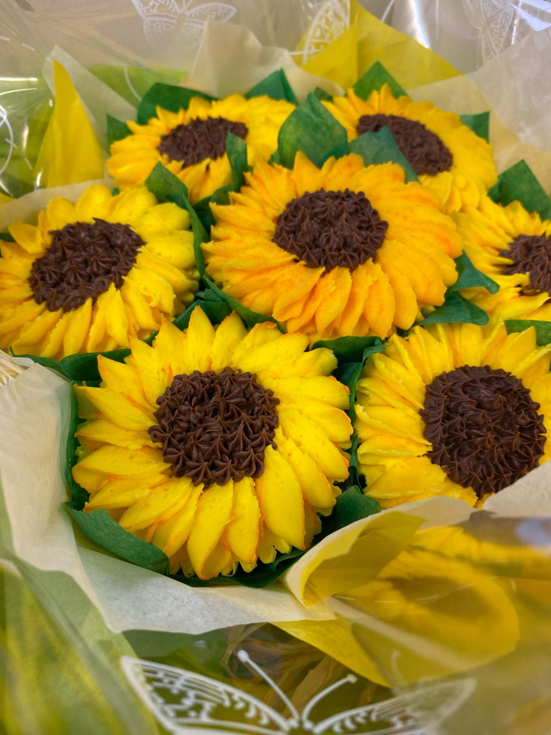Louise Brown's Sunflower Cupcakes